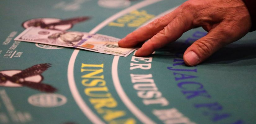 Online Casino: How To Play Online Poker